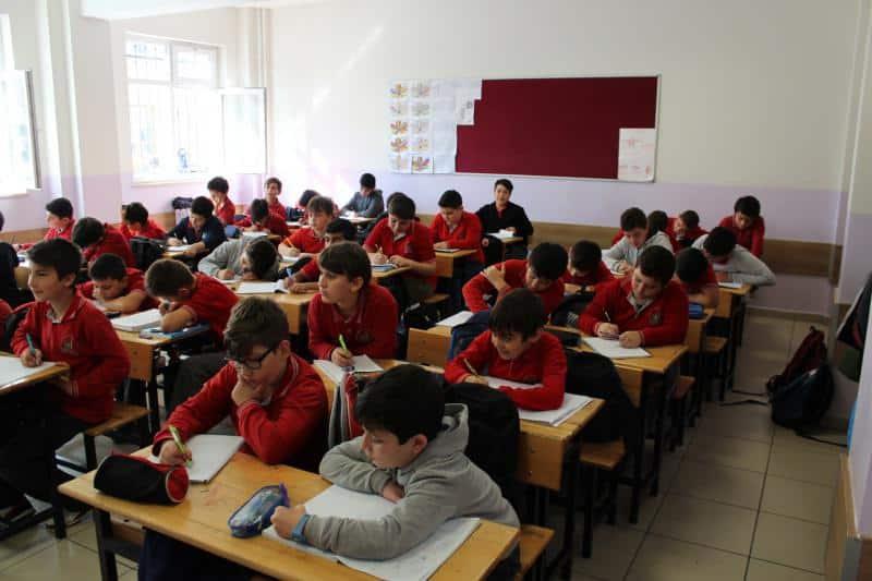 Öğrencilerimiz Sınıflarında